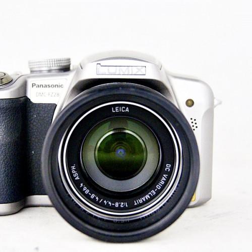 パナソニックのコンパクトデジタルカメラ「LUMIX DMC-FZ28」買取実績