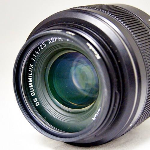 パナソニックのカメラレンズ「LUMIX H-X025」買取実績