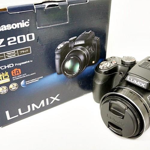 パナソニックのコンパクトデジタルカメラ「LUMIX FZ200」買取実績