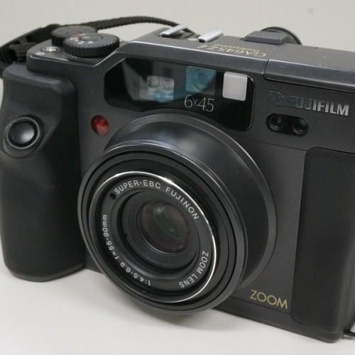 フジフィルムのカメラ「GA645ZI Professional」買取実績