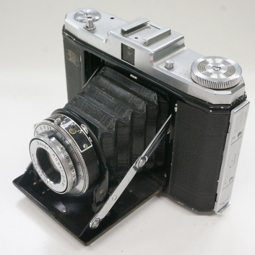 ツァイスイコンのフィルムカメラ「NETTAR 75mm F4.5」買取実績