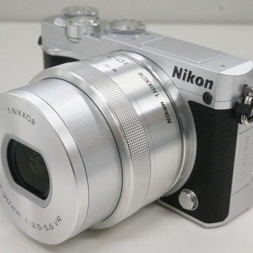 ニコンのミラーレスカメラ「1 J5 標準パワーズームレンズキット」買取実績