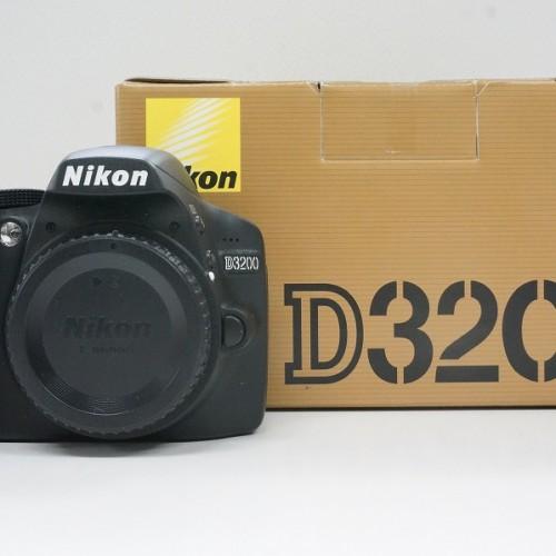 ニコンのデジタル一眼レフカメラ「D3200」買取実績