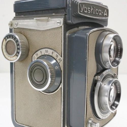 ヤシカの二眼カメラ「A  Yashikor 80mm F3.5」買取実績
