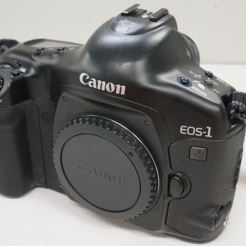 キャノンのフィルム一眼レフカメラ「EOS-1V ボディ」買取実績