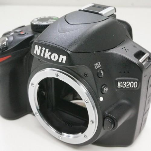 ニコンのデジタル一眼レフカメラ「D3200 ボディ」買取実績