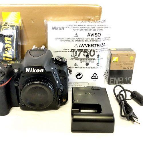 カメラ買取実績紹介「NIKON ニコン D750 FX ボディ バッテリー、充電器付属」